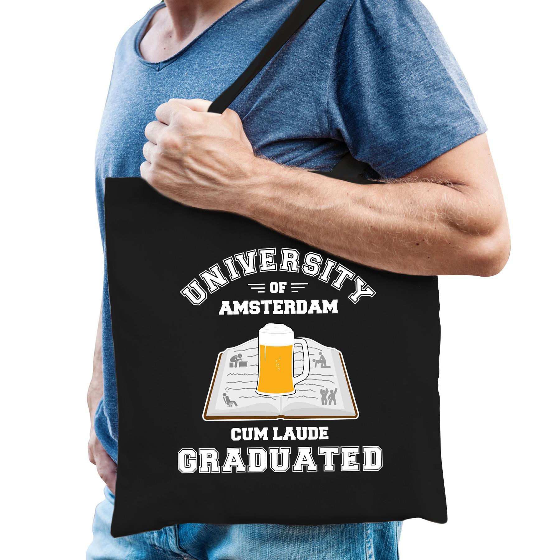 Studenten carnaval verkleed tas zwart university of amsterdam afgestudeerd heren